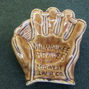 Scarce Circa 1954 Midwest Lamp Co. Milwaukee Braves Glove Ashtray